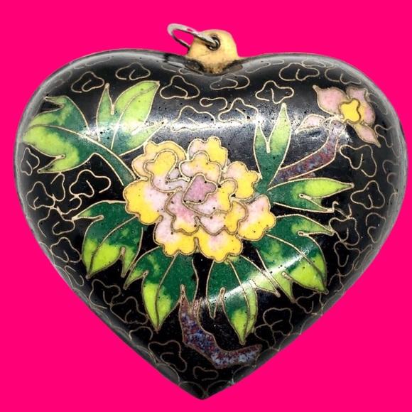 Vintage Jewelry - Boho Vintage Cloisonné Heart Pendant - Flowers
